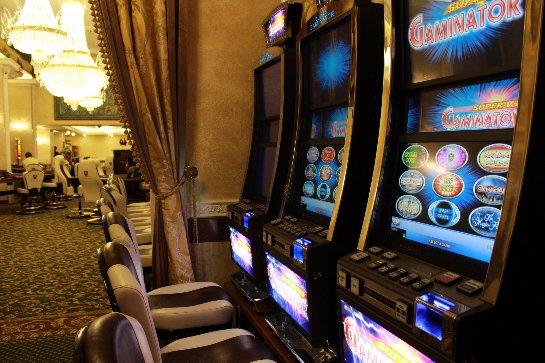 Удовольствие и деньги в казино Фараон