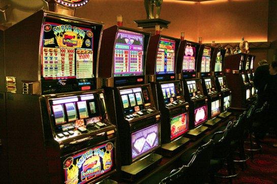 Бонусы на бесплатных игральных автоматах 777 на азартном портале Superslotss